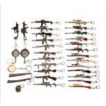 Брелки автоматы, ножи, мечи в ассортименте