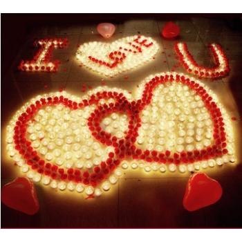 Романтический набор свечей и лепестков роз
