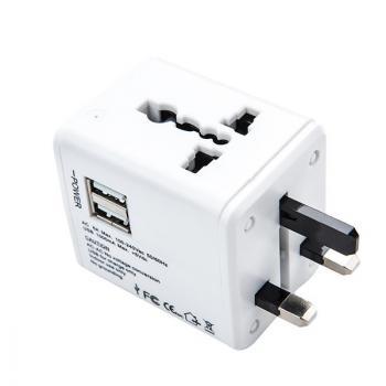 Универсальный сетевой адаптер с USB выходами для туриста